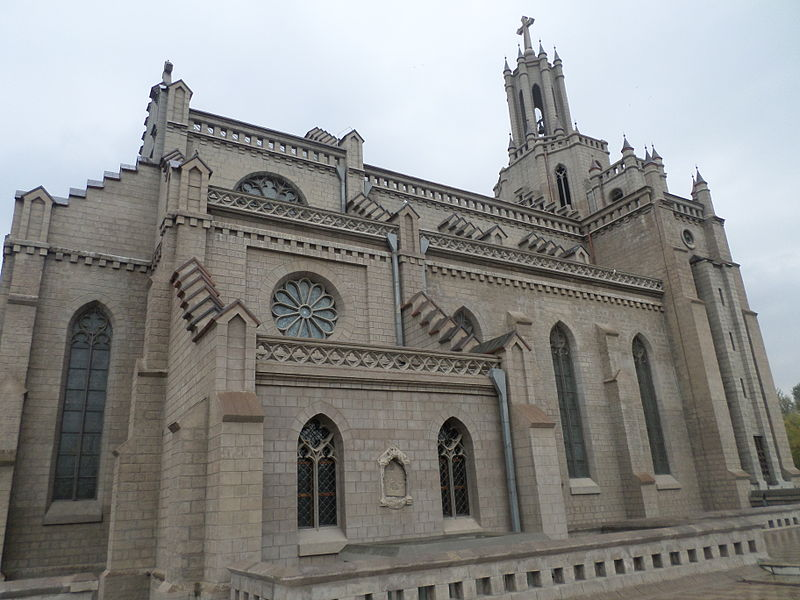 Sacred Heart Cathedral, Tashkent 14-15.JPG
