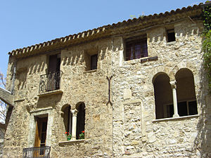 Romanesque secular and domestic architecture - Wikipedia