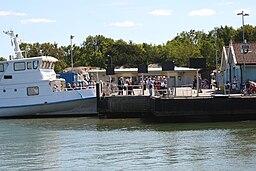 Saltholmens landingsbro hvorfra bådene kører ud til Göteborgs sydlige skærgård.