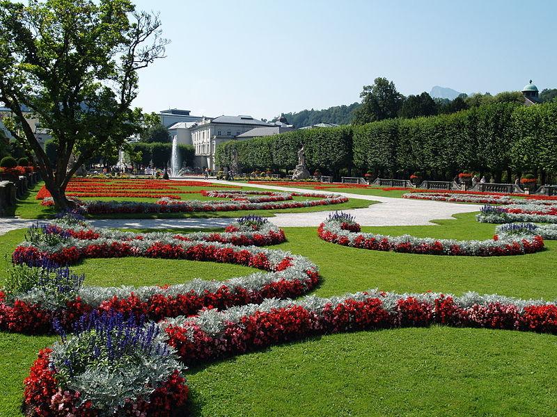 File:Salzburgo, palacio Mirabell, jardín2..JPG