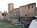 San Nicola in Carcere - panoramio (1).jpg
