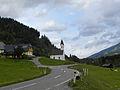Sankt Johann am Tauern - Triebener Straße mit Kalvarienbergkapelle.jpg