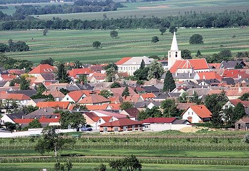 Blick vom Kogel (Berg beim Römersteinbruch) auf Sankt Margarethen im Burgenland