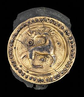 <i>Tangendorf disc brooch</i>