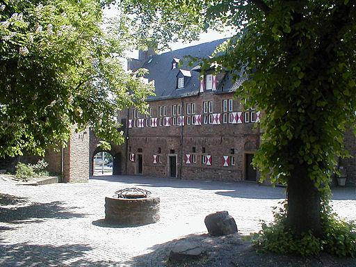 SchlosshofBroich