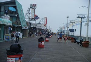 English: A view of the boardwalk in Seaside He...