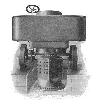 "Sentinel boiler - Sentinel ""5 tonner"" steam waggon of 1906, with boiler dismantled for cleaning"