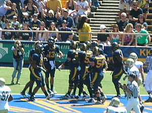 2010 California Golden Bears football team - Shane Vereen scores Cal's first touchdown of the game.