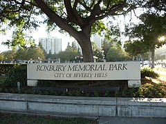 Sign of Roxbury Memorial Park in Beverly Hills, California.JPG
