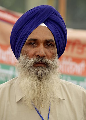 Dastar - A Sikh man wearing a dastar to cover his hair