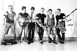 Skerryvore (band) - Image: Skerryvore feb 13 215