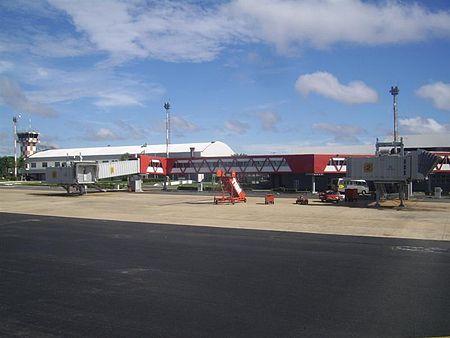 Lapangan Terbang Antarabangsa Marechal Cunha Machado