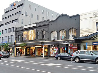 Smith & Caughey's - Image: Smith & Caughey's on Broadway, Newmarket in 2013