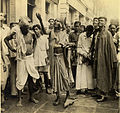 Snake charmer in Calcutta in 1945.jpg