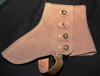 Spats (footwear) - A left felt spat