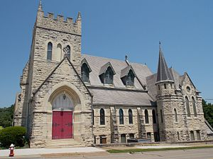 St. John's Episcopal Church (Dubuque, Iowa) - South elevation