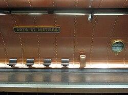 Station Arts et Métiers.jpg