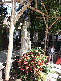 Statue de Saint-Gilles à Aiguevives.JPG