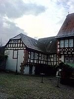 Steinau an der Straße - Gebr. Grimm-Haus links.JPG