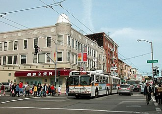 Stockton Street (San Francisco) - Image: Stockton and Broadway in San Francisco with trolleybuses (2005)