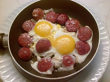 Sucuk with eggs
