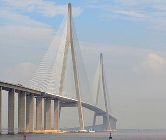 Sutong Yangtze River Bridge - Image: Sutong Yangtze River Bridge