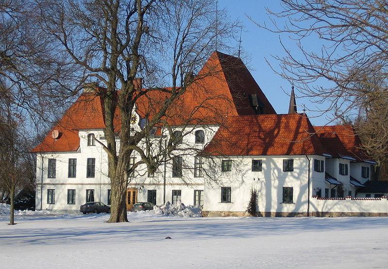 File:Swedish castle Björnstorp.jpg
