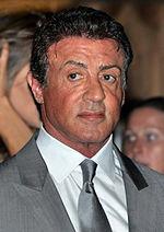 Sylvester Stallone a Parigi alla prima del film I mercenari 2 (2012).