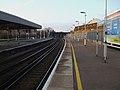 Thornton Heath stn slow platforms look north2.JPG