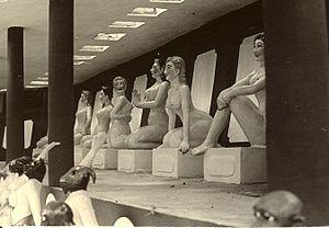Tiger Balm Garden (Hong Kong) - 1965 photograph of some of the figures in the garden