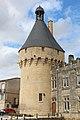 Tour château Jonzac 01.JPG