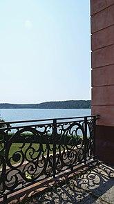 Fil:Tullgarns slott - balustrad.jpg