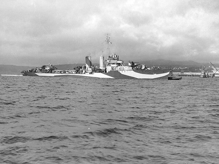 USS Farragut (DD-348) off the Puget Sound Navy Yard in September 1944