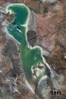 Datei:Urmia lake drought.webm
