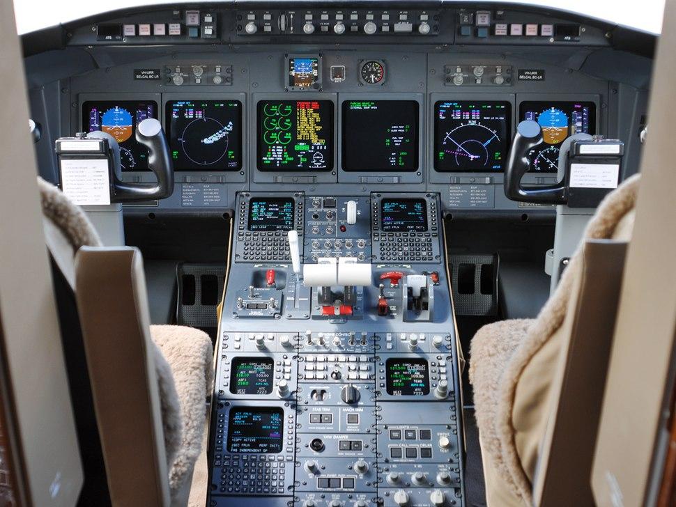 VH-URR Bombardier CL-600-2B16 Challenger 604 (6485923771)