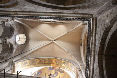 Vault outside Catholicon, Holy Sepulchre 2010 2.jpg