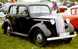 Vauxhall Ten Saloon 1938.jpg