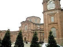La chiesa intitolata a Sant'Uberto, posta a fianco della reggia di Venaria