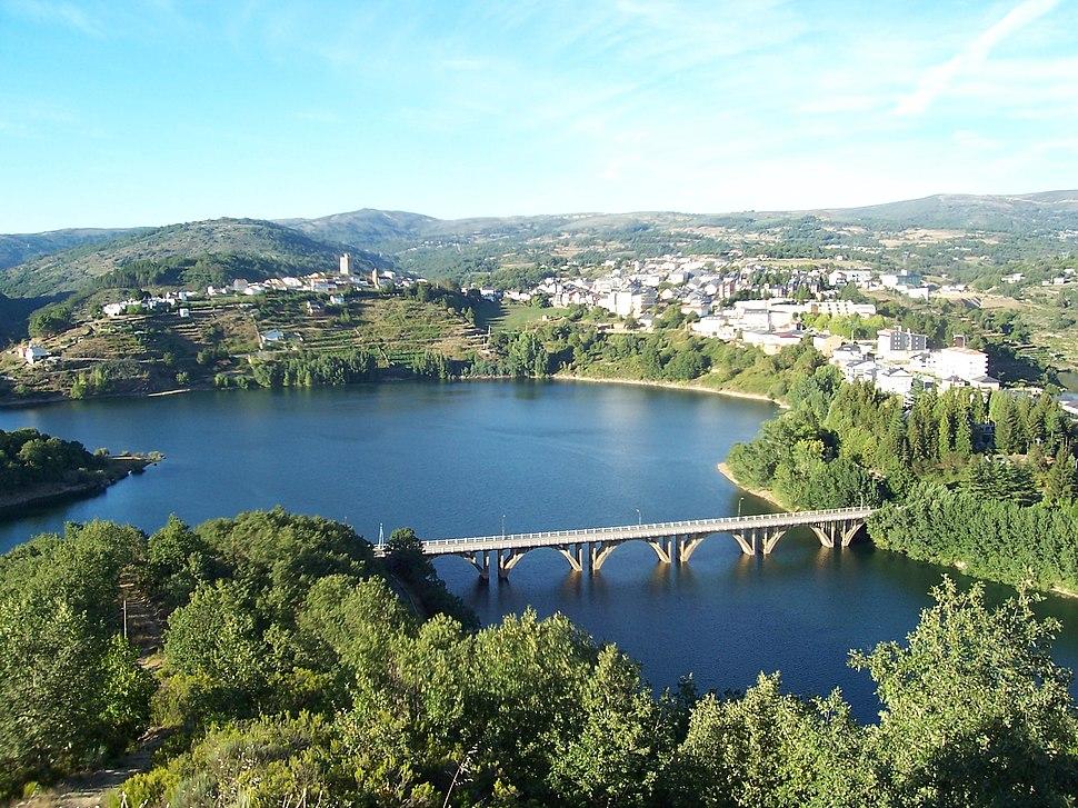 Viana do Bolo - desde o mirador de San Cibrao. Galiza