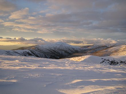 Mount Feathertop, Victoria, 1922 m, seen from Mount Hotham. View-From-Mt-Hotham-Summit-2008.jpg
