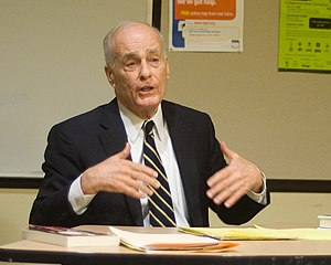 Vincent Bugliosi - Bugliosi at the North Hollywood Branch Library in 2009