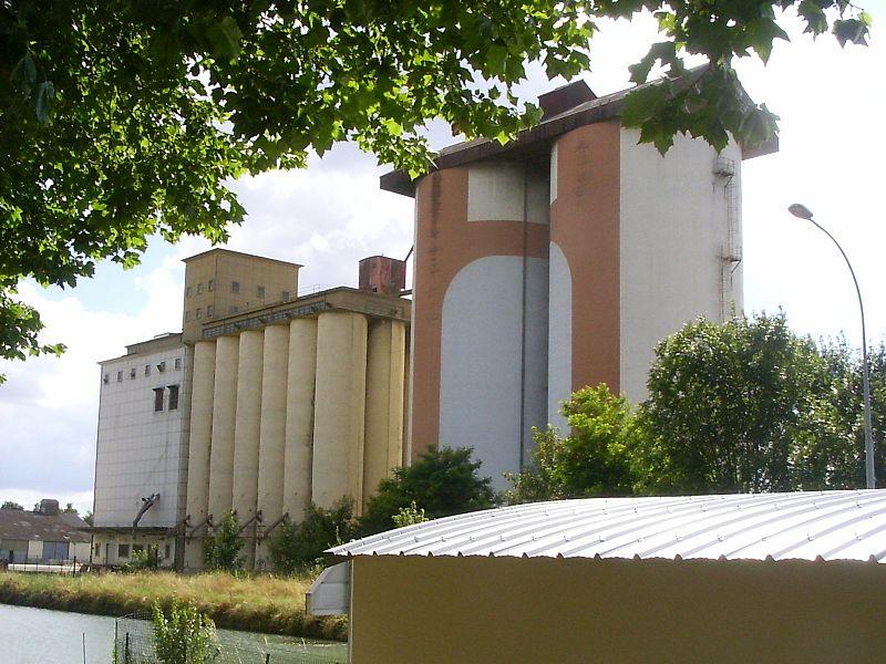 Vitry-le-François, silo aan het kanaal Champagne-Bourgondië