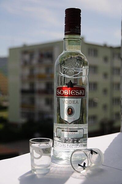 File:Vodka Sobieski.jpg