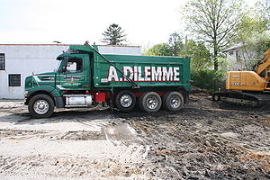 Dump truck - US 4-axle with lift axle