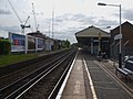 Walton on Thames stn eastbound look west2.JPG