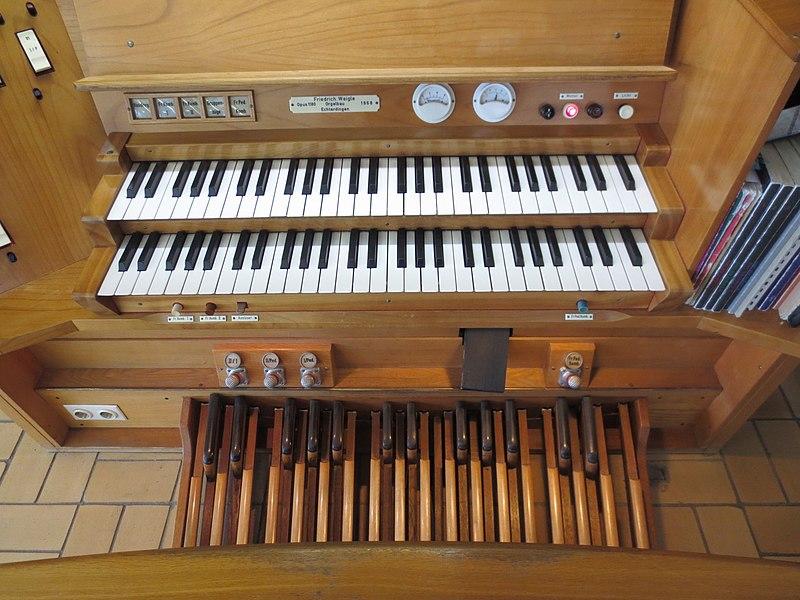 Datei:Wendlingen (Neckar), Johanneskirche, Orgel (2).jpg