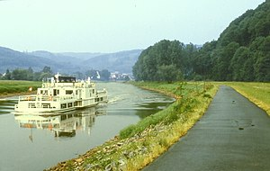 Weser - Image: Weserradweg b Oedelsheim
