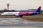 Wizz Air, HA-LXR, Airbus A321-231 (47578064002).jpg
