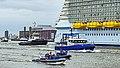 Work on the water - Nieuwe Maas - Port of Rotterdam (27397947735).jpg