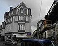 Wuppertal, Bahnstr. 2, von SW, Schwebebahn aus Richtung Bruch.jpg